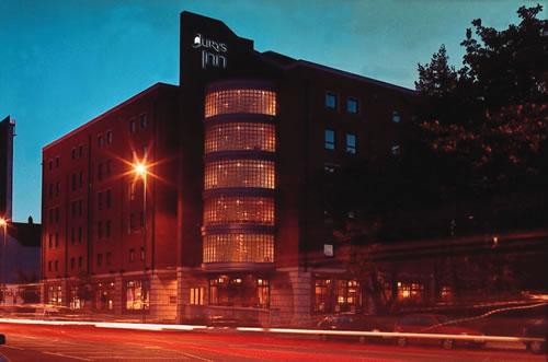 Return from Jurys Inn Belfast to Belfast Hotels listings